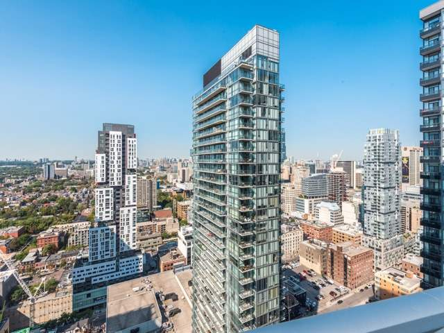 Condo Apartment at 21 Widmer St, Unit 3302, Toronto, Ontario. Image 11