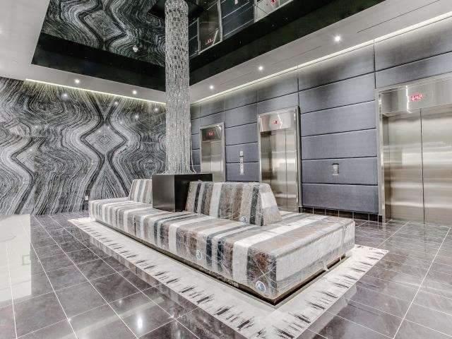 Condo Apartment at 290 Adelaide St, Unit 3110, Toronto, Ontario. Image 2