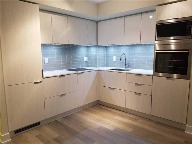 Condo Apartment at 318 Richmond St W, Unit 812, Toronto, Ontario. Image 2