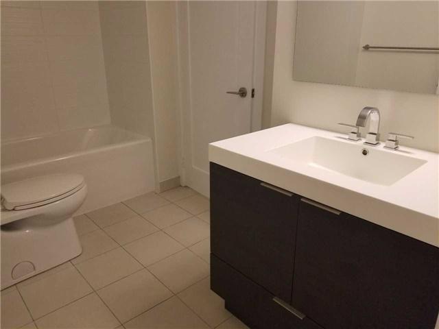 Condo Apartment at 318 Richmond St W, Unit 812, Toronto, Ontario. Image 5