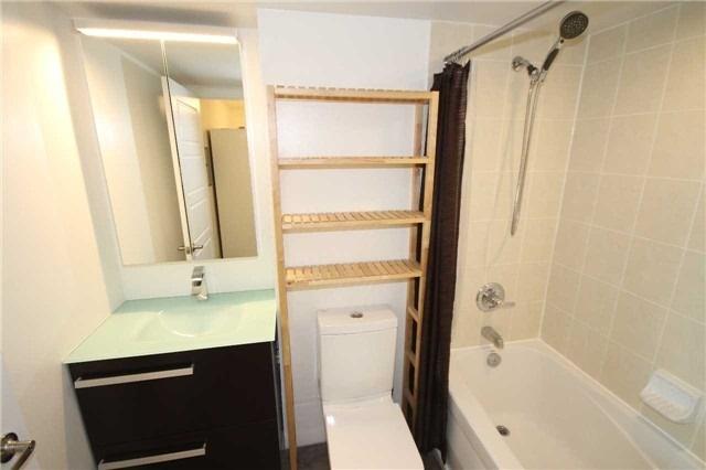 Condo Apartment at 600 Fleet St, Unit 2508, Toronto, Ontario. Image 16