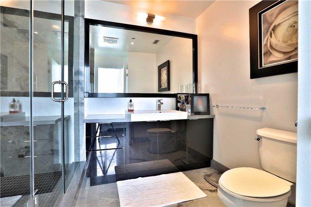 Condo Apartment at 478 King St W, Unit 1203, Toronto, Ontario. Image 4