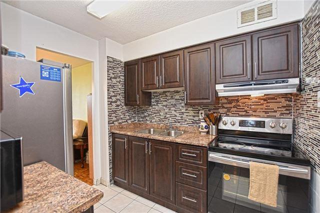Condo Apartment at 45 Sunrise Ave, Unit 1205, Toronto, Ontario. Image 15