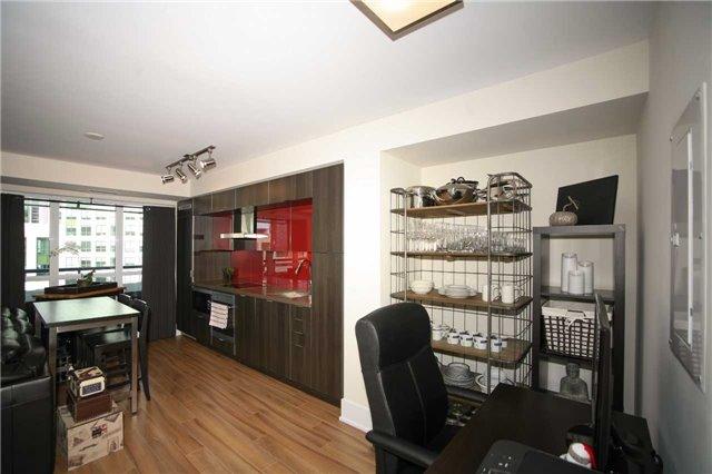 Condo Apartment at 300 Front St W, Unit 1003, Toronto, Ontario. Image 8