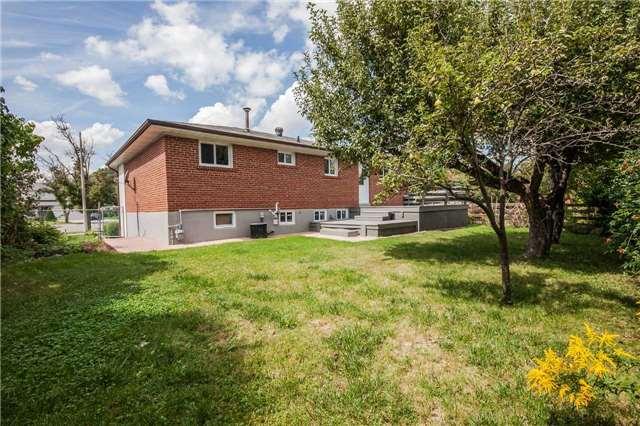 Detached at 29 Manadon Dr, Toronto, Ontario. Image 14