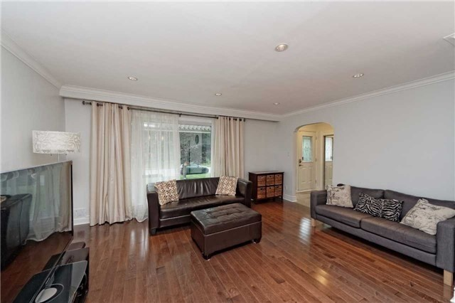 Detached At 222 Park Home Ave Toronto Ontario Image 11