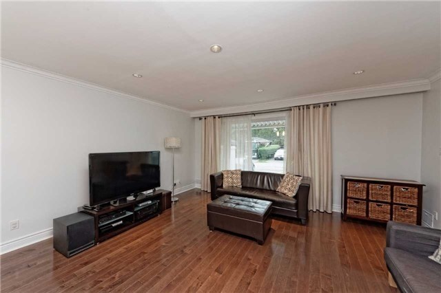 Detached At 222 Park Home Ave Toronto Ontario Image 12