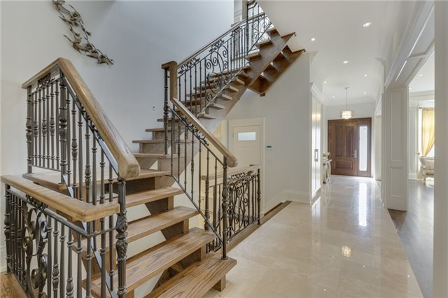 Detached at 414 Connaught Ave, Toronto, Ontario. Image 3