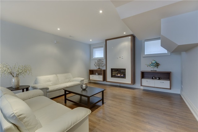 Detached at 414 Connaught Ave, Toronto, Ontario. Image 7