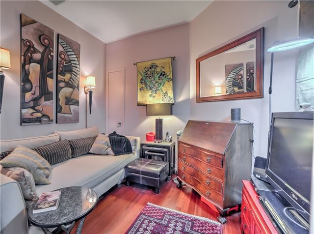 Condo Apartment at 7 King St E, Unit 2204, Toronto, Ontario. Image 12