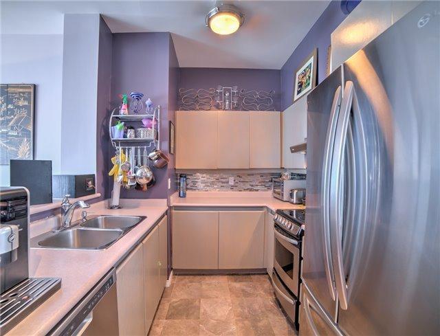 Condo Apartment at 7 King St E, Unit 2204, Toronto, Ontario. Image 13