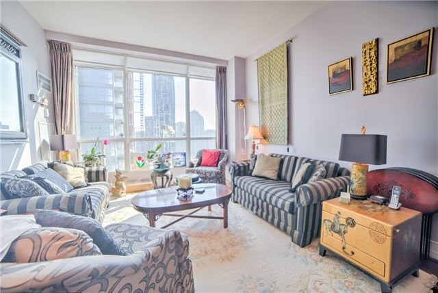 Condo Apartment at 7 King St E, Unit 2204, Toronto, Ontario. Image 15
