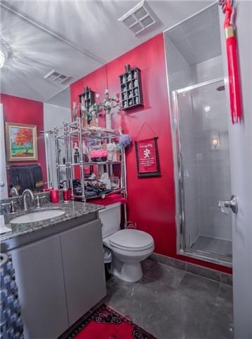 Condo Apartment at 7 King St E, Unit 2204, Toronto, Ontario. Image 4