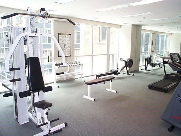 Condo Apartment at 7 King St E, Unit 2204, Toronto, Ontario. Image 6