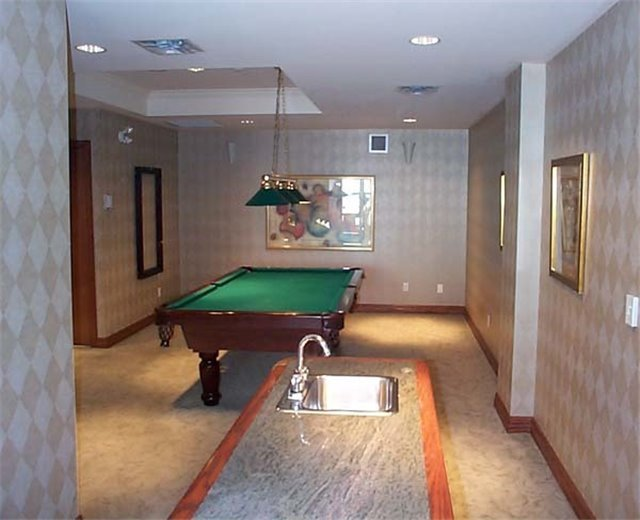 Condo Apartment at 7 King St E, Unit 2204, Toronto, Ontario. Image 7