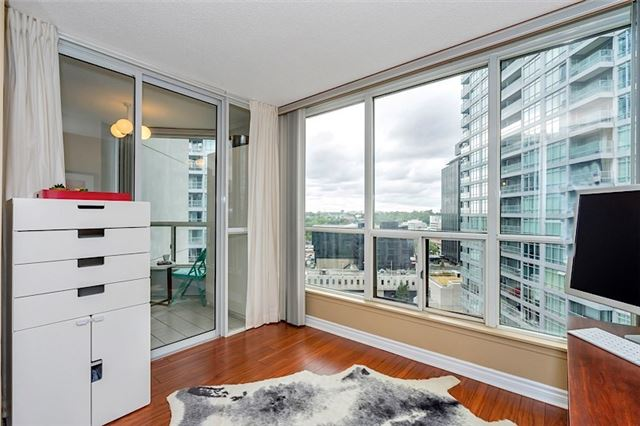 Condo With Common Elements at 30 Holly St, Unit 1505, Toronto, Ontario. Image 17