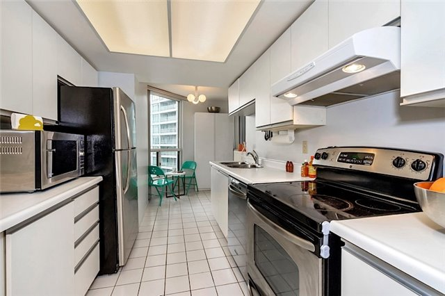 Condo With Common Elements at 30 Holly St, Unit 1505, Toronto, Ontario. Image 18