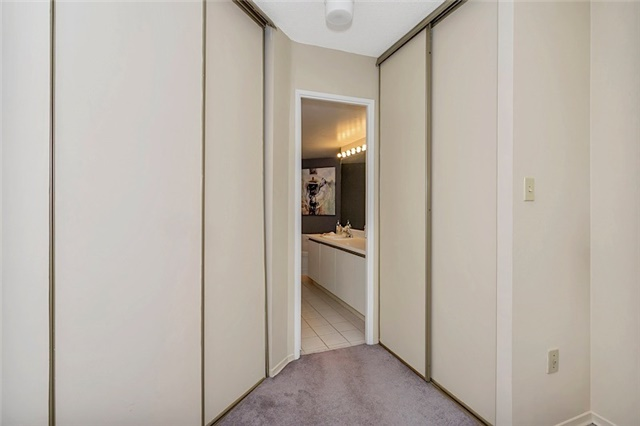 Condo With Common Elements at 30 Holly St, Unit 1505, Toronto, Ontario. Image 4