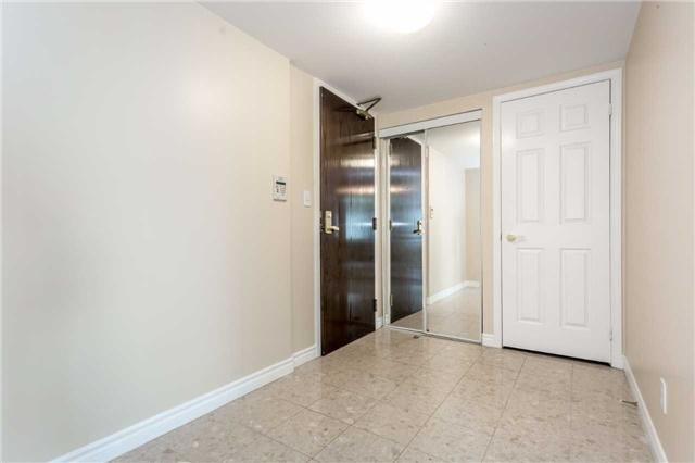 Condo Apartment at 18 Spring Garden Ave, Unit 1708, Toronto, Ontario. Image 13