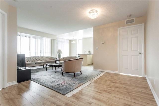 Condo Apartment at 18 Spring Garden Ave, Unit 1708, Toronto, Ontario. Image 15