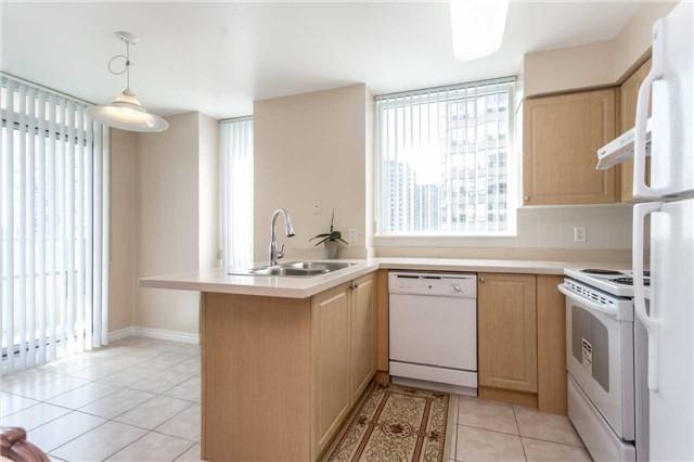 Condo Apartment at 18 Spring Garden Ave, Unit 1708, Toronto, Ontario. Image 19