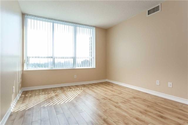 Condo Apartment at 18 Spring Garden Ave, Unit 1708, Toronto, Ontario. Image 5