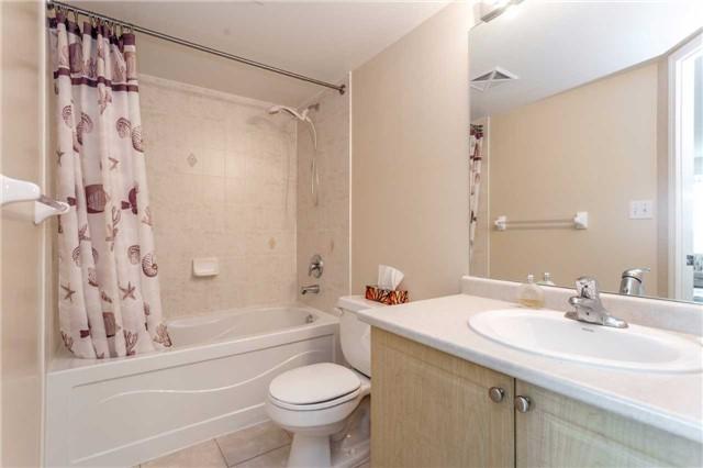 Condo Apartment at 18 Spring Garden Ave, Unit 1708, Toronto, Ontario. Image 9