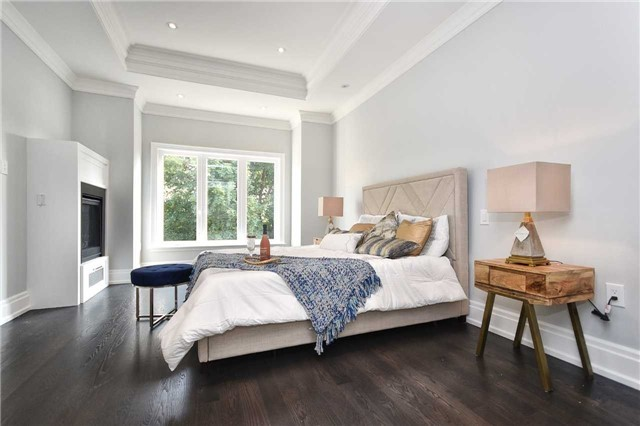 Detached at 409 Deloraine Ave, Toronto, Ontario. Image 2
