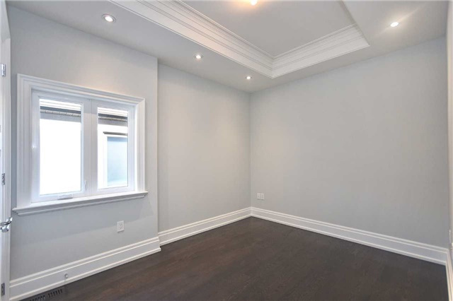 Detached at 409 Deloraine Ave, Toronto, Ontario. Image 4