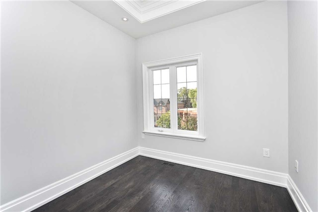 Detached at 409 Deloraine Ave, Toronto, Ontario. Image 8