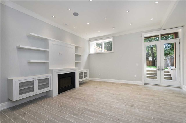 Detached at 409 Deloraine Ave, Toronto, Ontario. Image 9