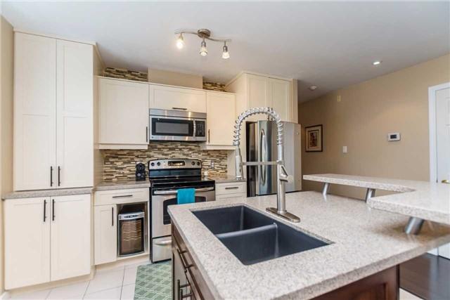 Condo Apartment at 600 Eglinton Ave E, Unit 104, Toronto, Ontario. Image 13