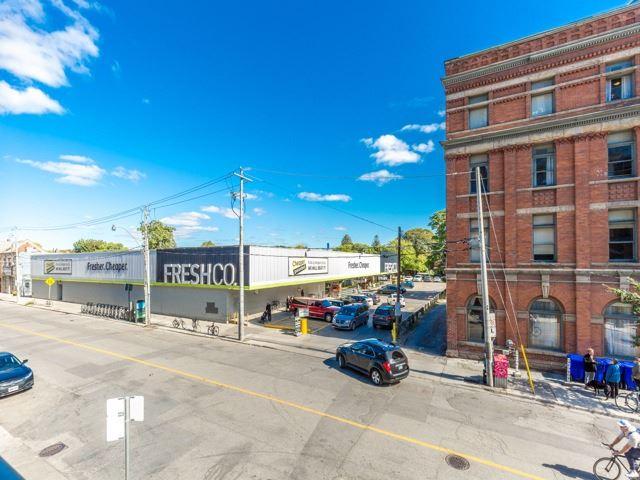 Condo Apartment at 2 Gladstone Ave, Unit 203, Toronto, Ontario. Image 11