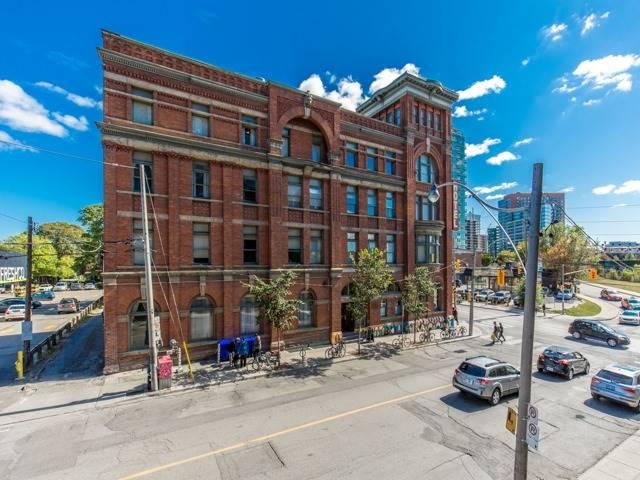 Condo Apartment at 2 Gladstone Ave, Unit 203, Toronto, Ontario. Image 13