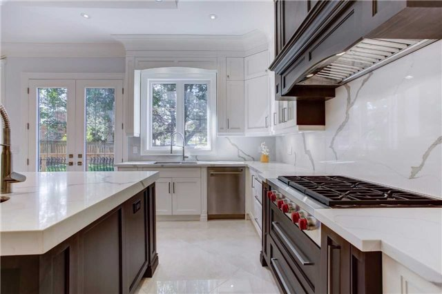 Detached at 37 Caswell Dr, Toronto, Ontario. Image 3