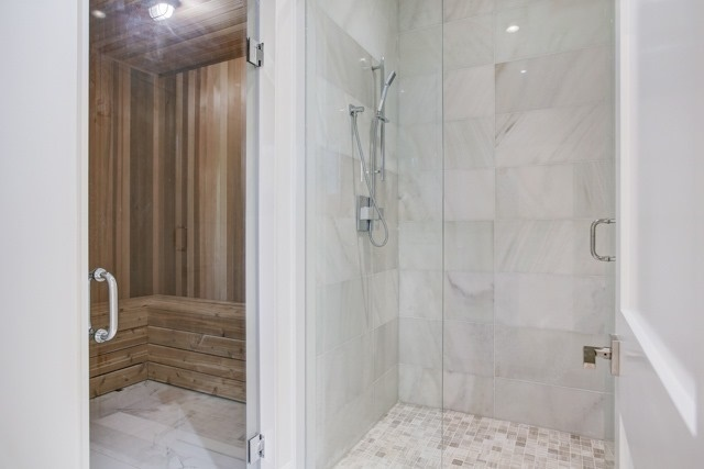 Detached at 37 Caswell Dr, Toronto, Ontario. Image 10