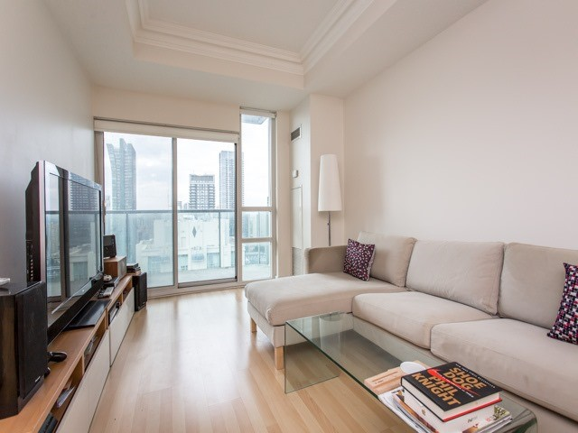 Condo Apartment at 18 Harrison Garden Blvd, Unit Uph3, Toronto, Ontario. Image 10