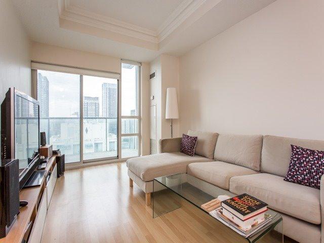Condo Apartment at 18 Harrison Garden Blvd, Unit Uph3, Toronto, Ontario. Image 11