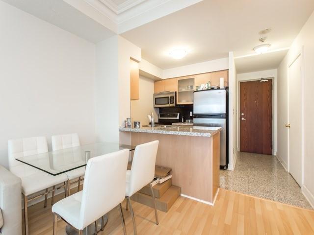 Condo Apartment at 18 Harrison Garden Blvd, Unit Uph3, Toronto, Ontario. Image 14