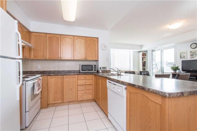 Condo Apartment at 18 Spring Garden Ave, Unit 2310, Toronto, Ontario. Image 2