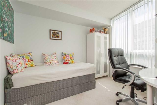 Condo Apartment at 18 Spring Garden Ave, Unit 2310, Toronto, Ontario. Image 7