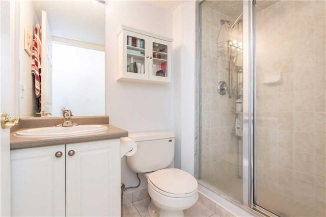 Condo Apartment at 18 Spring Garden Ave, Unit 2310, Toronto, Ontario. Image 8