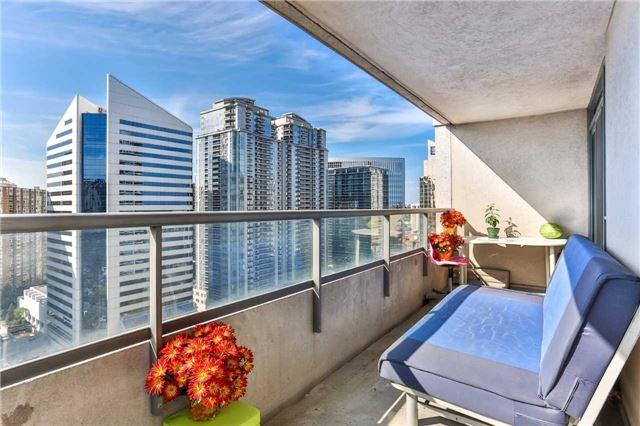 Condo Apartment at 18 Spring Garden Ave, Unit 2310, Toronto, Ontario. Image 9