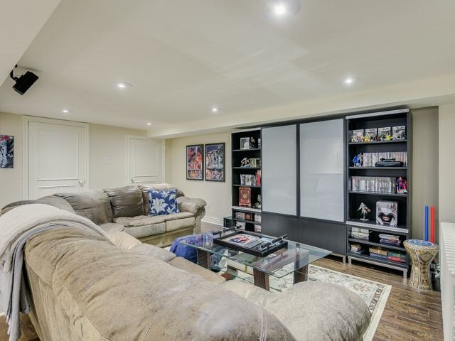 Detached at 86 Castle Knock Rd, Toronto, Ontario. Image 9
