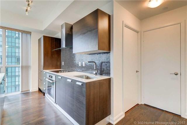 Condo Apartment at 9 Bogert Ave, Unit 2003, Toronto, Ontario. Image 18