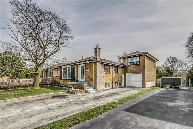 Detached at 49 Mossbank Dr, Toronto, Ontario. Image 12