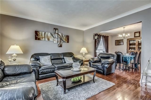 Detached at 49 Mossbank Dr, Toronto, Ontario. Image 16