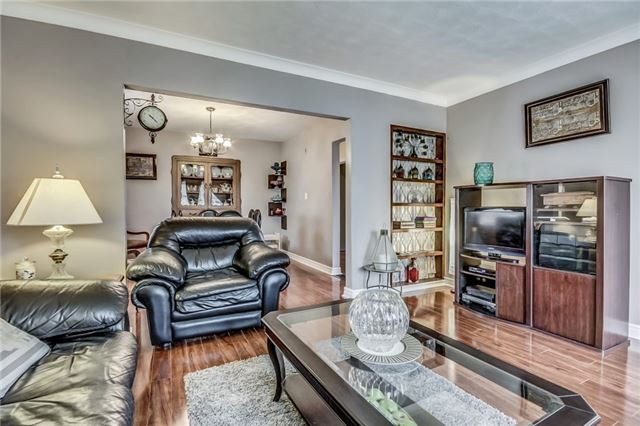Detached at 49 Mossbank Dr, Toronto, Ontario. Image 17