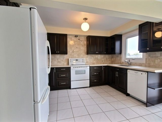 Detached at 1379 Ferncliff Circ, Pickering, Ontario. Image 20