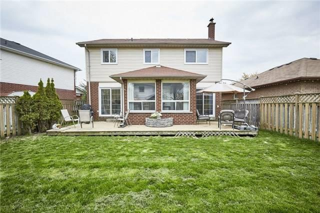 Detached at 26 Walker Cres, Ajax, Ontario. Image 9